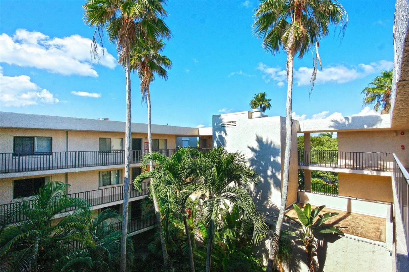 Atrium Vacation Condo Rentals Sanibel Island Florida