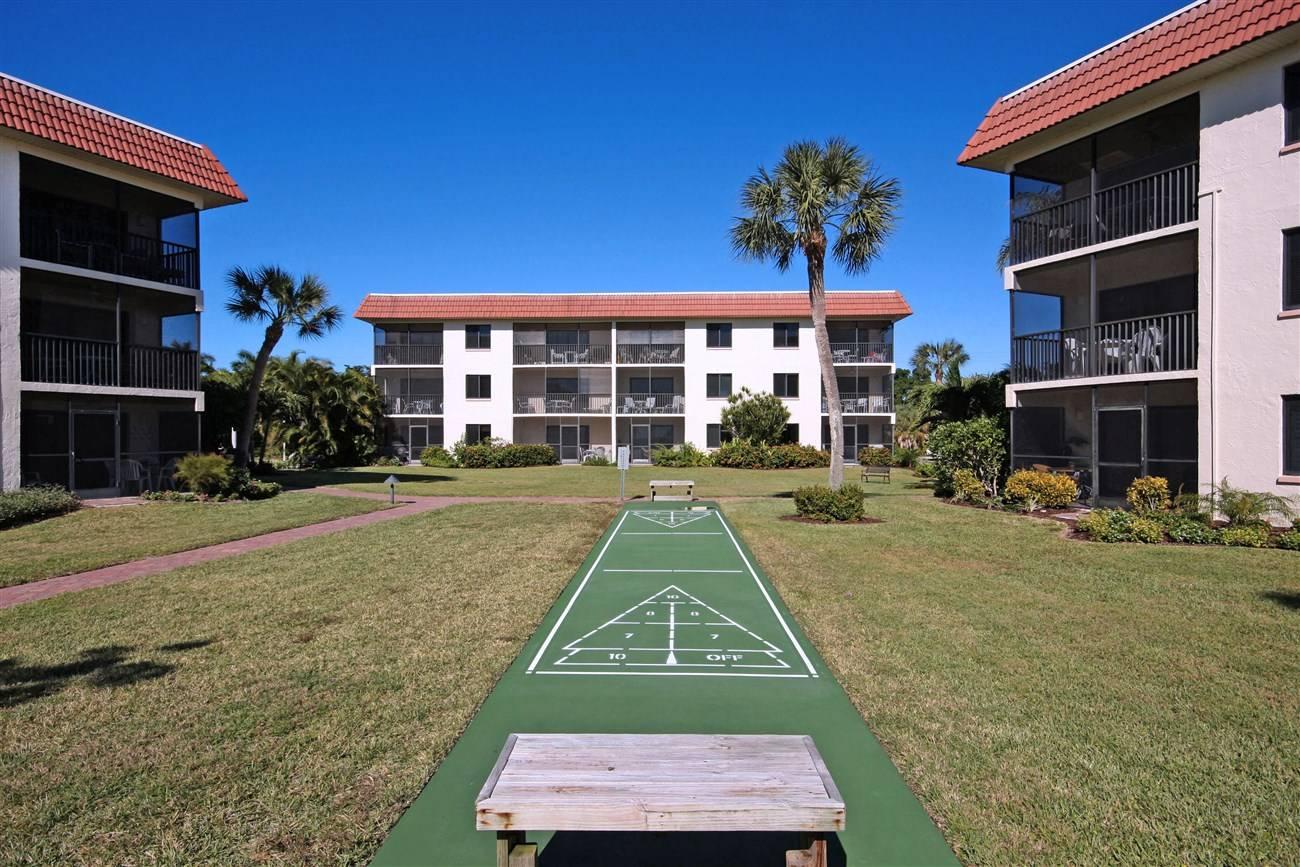 Sandalfoot Condominiums Vacation Condo Rentals Sanibel Island Florida Rentals